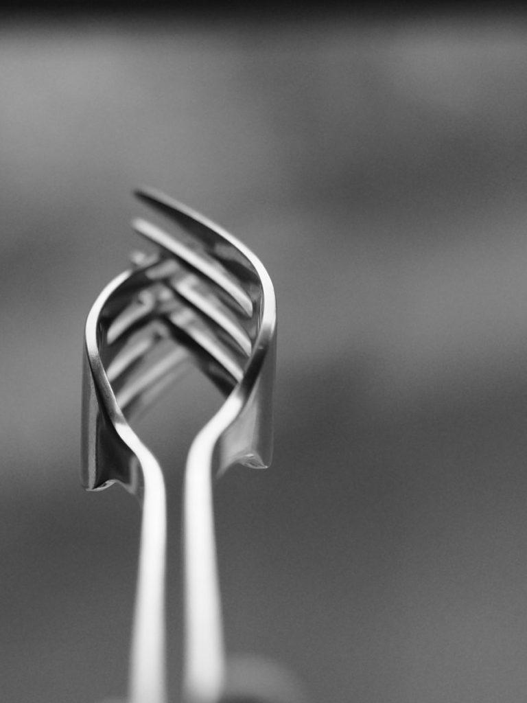 Un beso de tenedores
