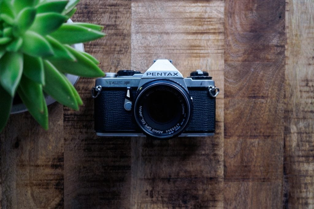cámara pentax objetivo