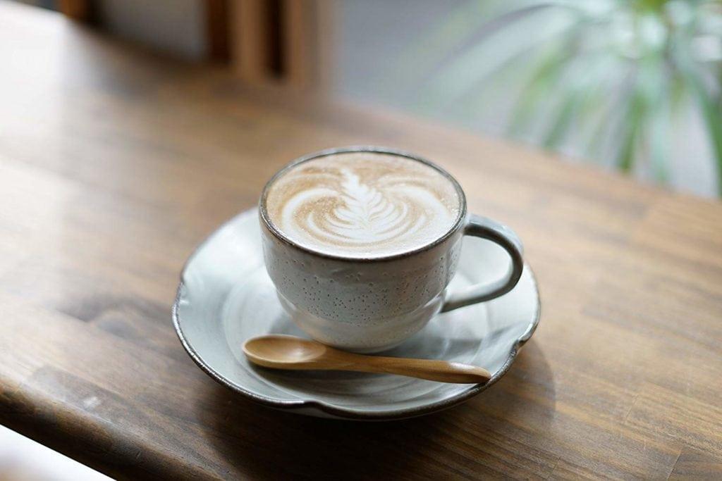 Café fotografiado con objetivos Sony