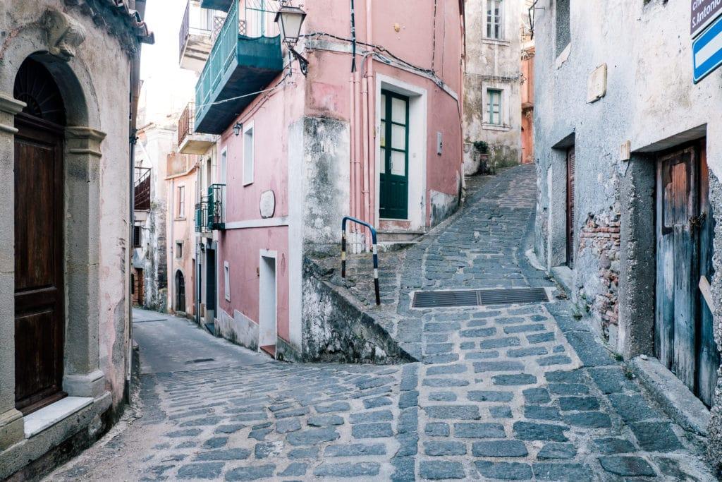 Calles empedradas de un pueblo