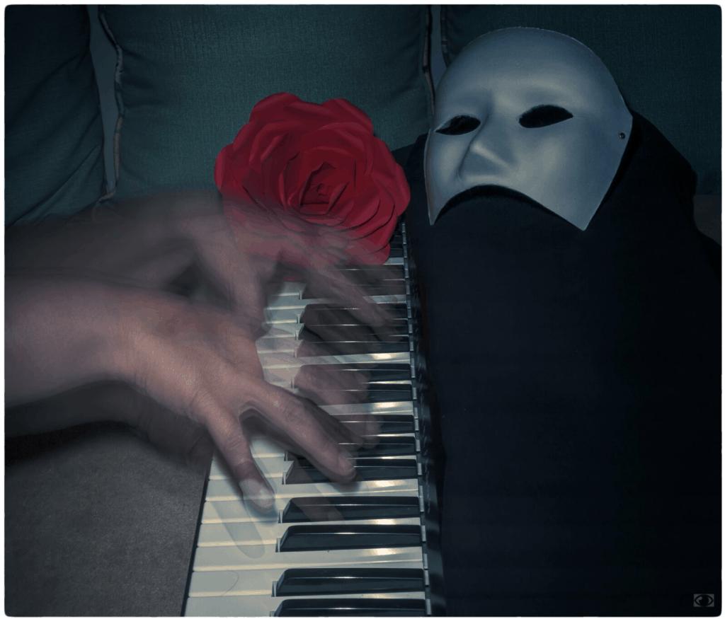 Manos tocando el piano