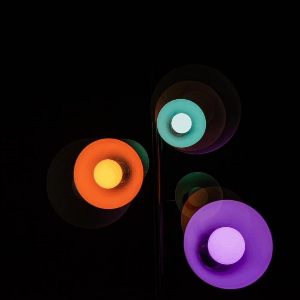 Juego de luces, colores y movimiento