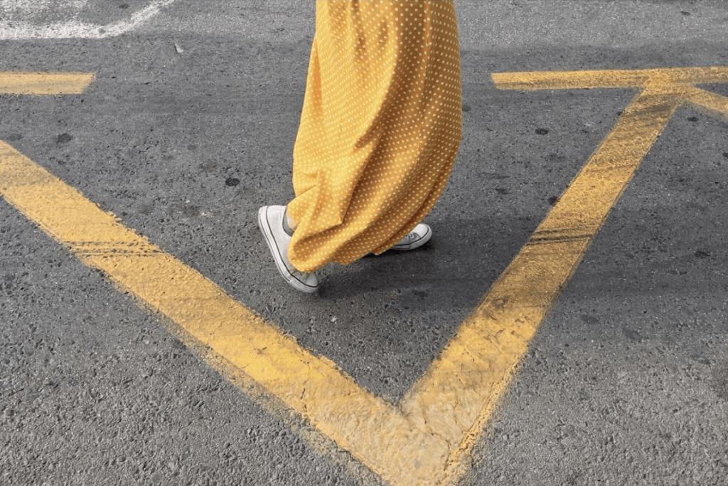 amarillo móvil