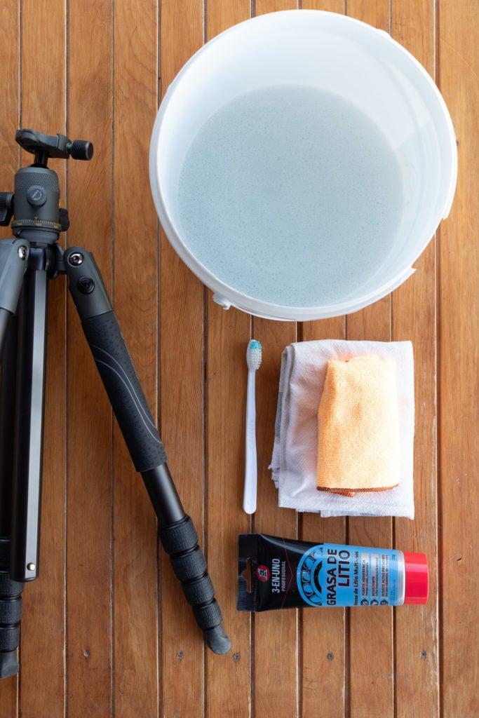 Materiales para limpiar trípode