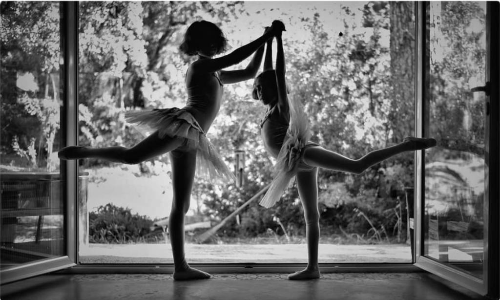 Bailarinas en simetría ganadora del #fotoreto8