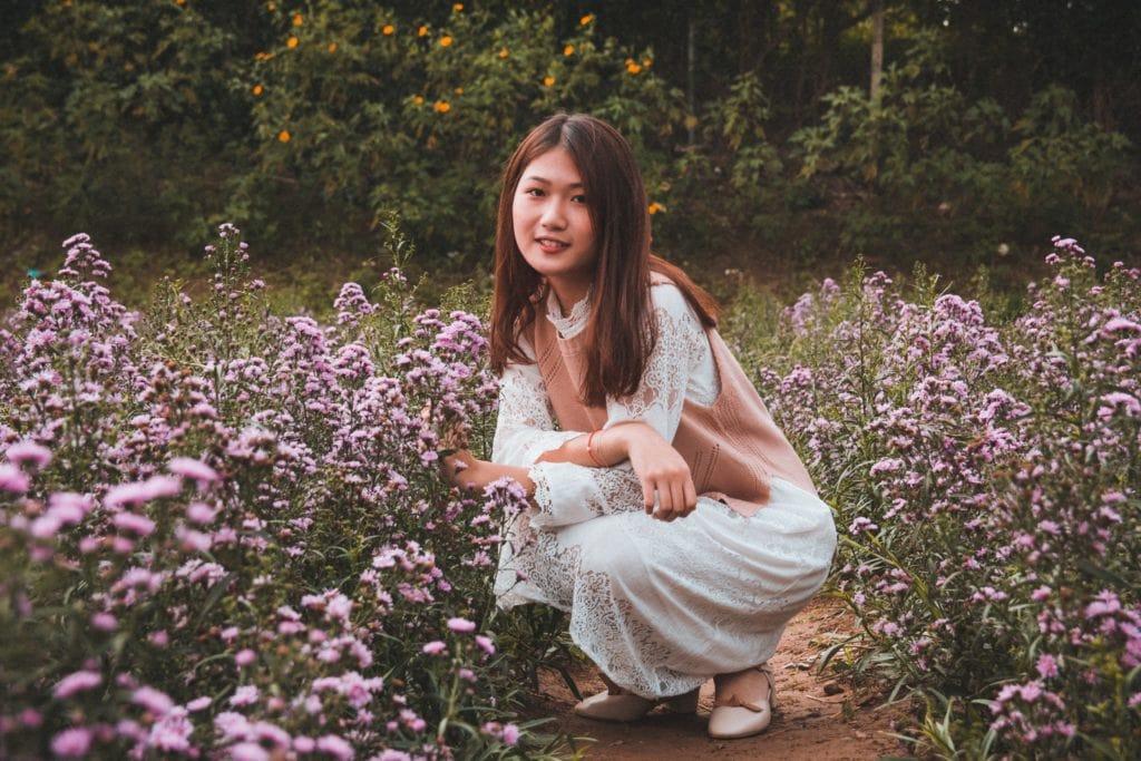 retrato entre flores