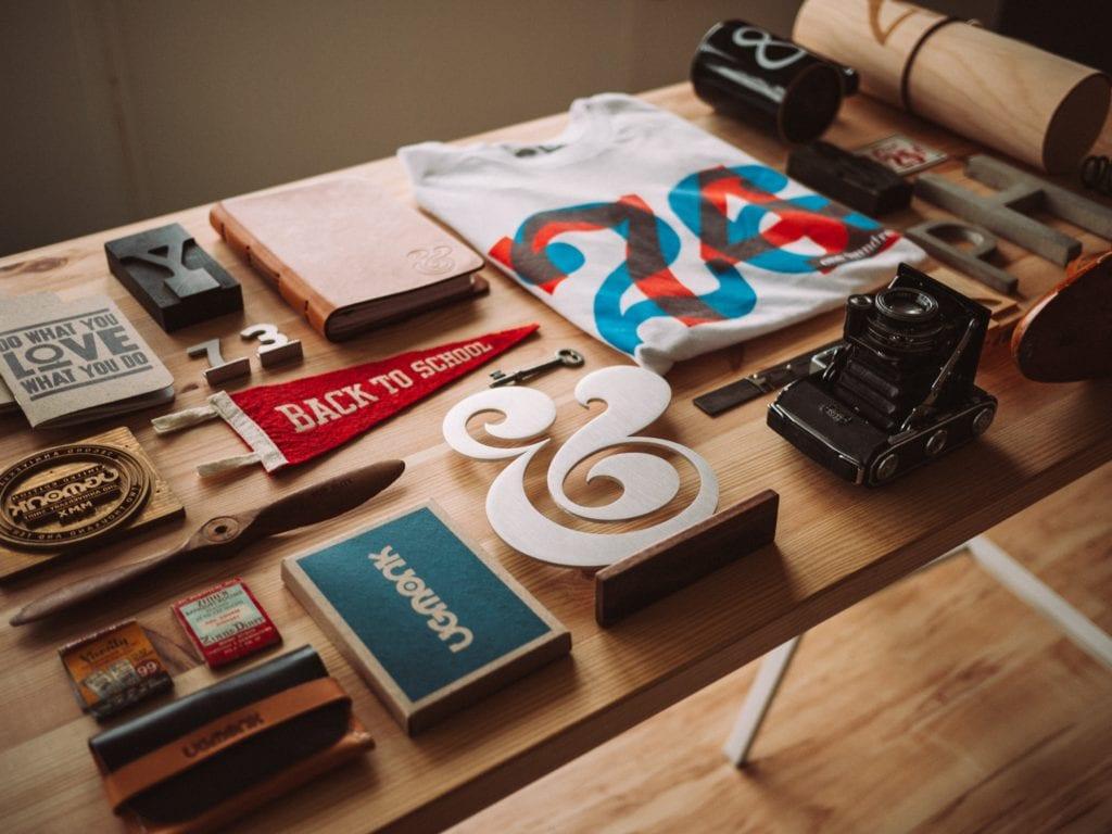Herramientas y objetos de diseño y creatividad