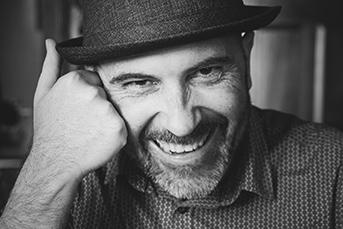 Retrato del autor Javier Sancho