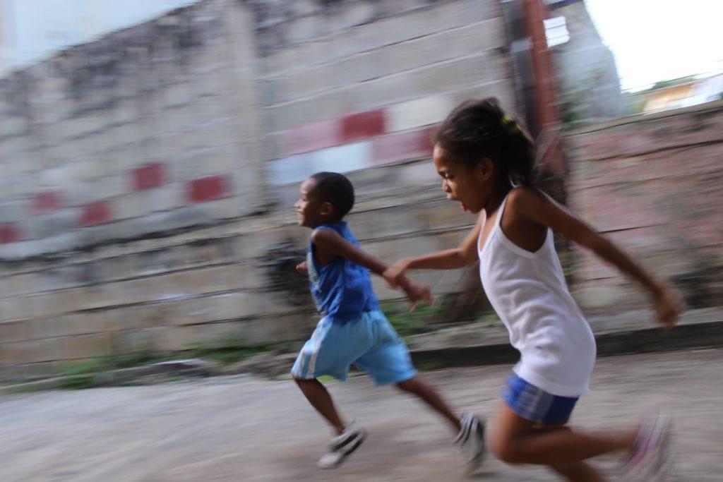 niños_corriendo