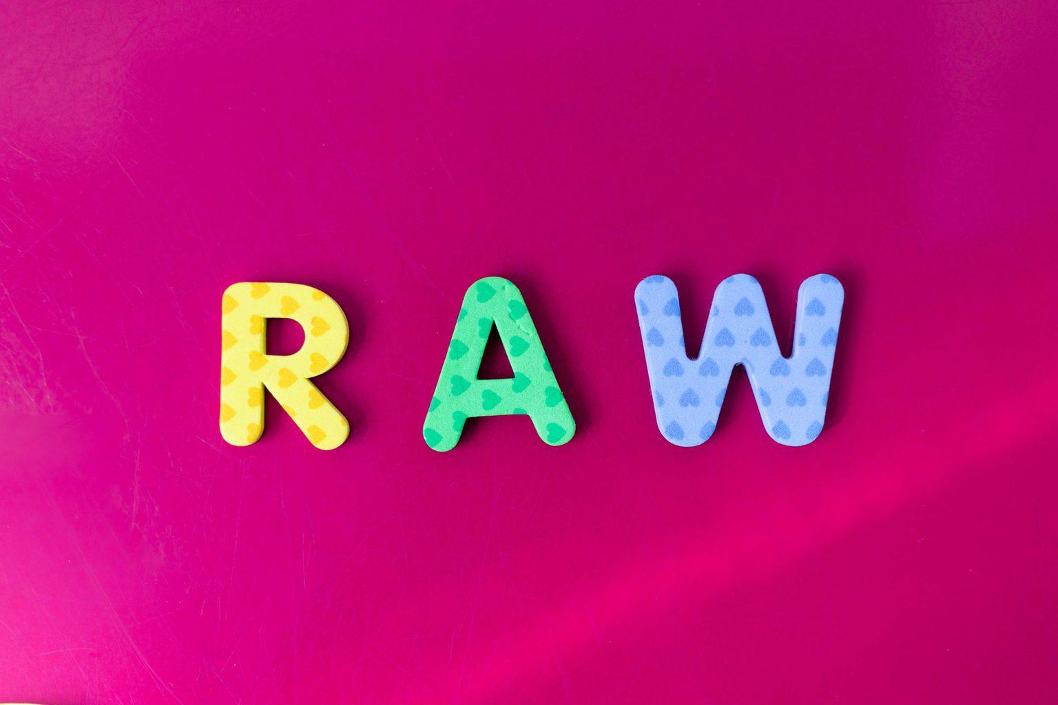 RAW palabra