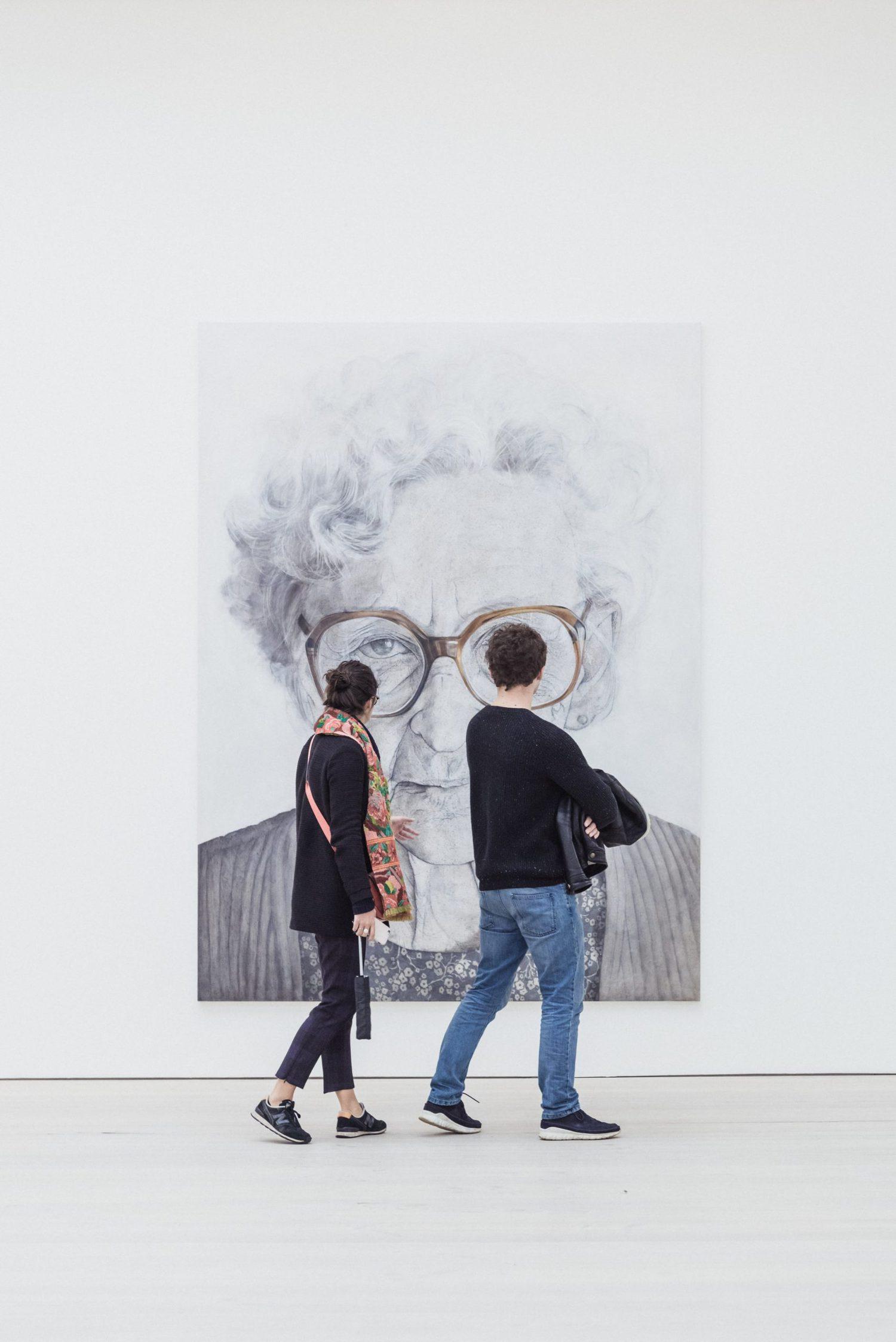cuadro personas museo