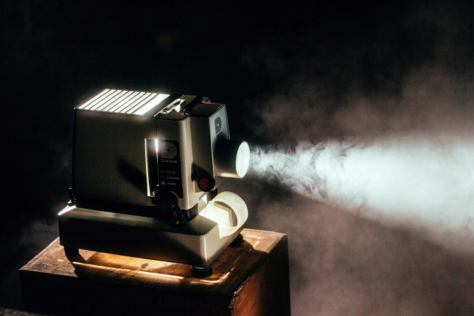 Proyector de cine encendido