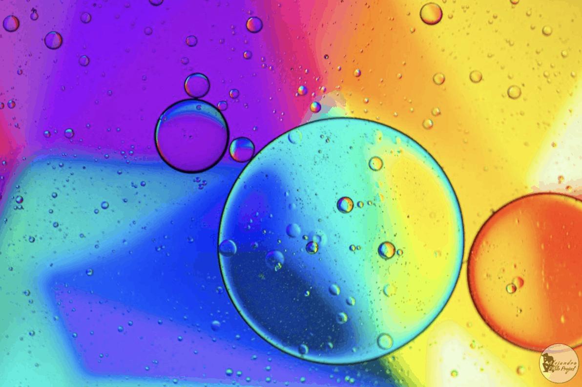 Fotografía macro de burbujas de colores, ganadora fotoreto42