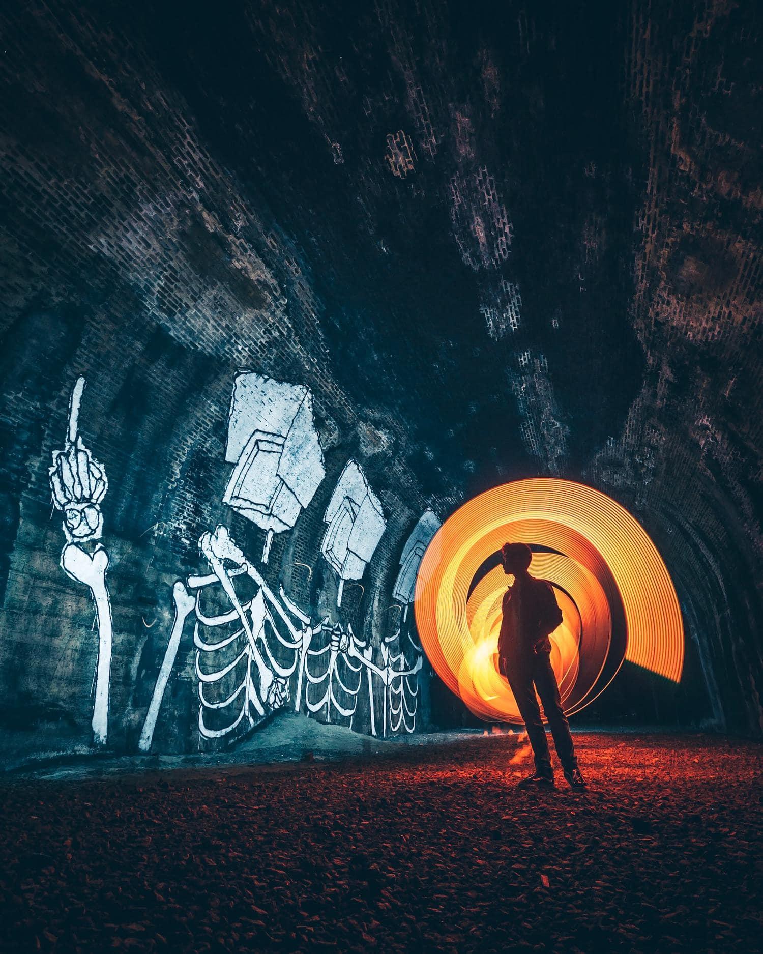 Técnica de lightpainting o fotografía de pintura con luz.