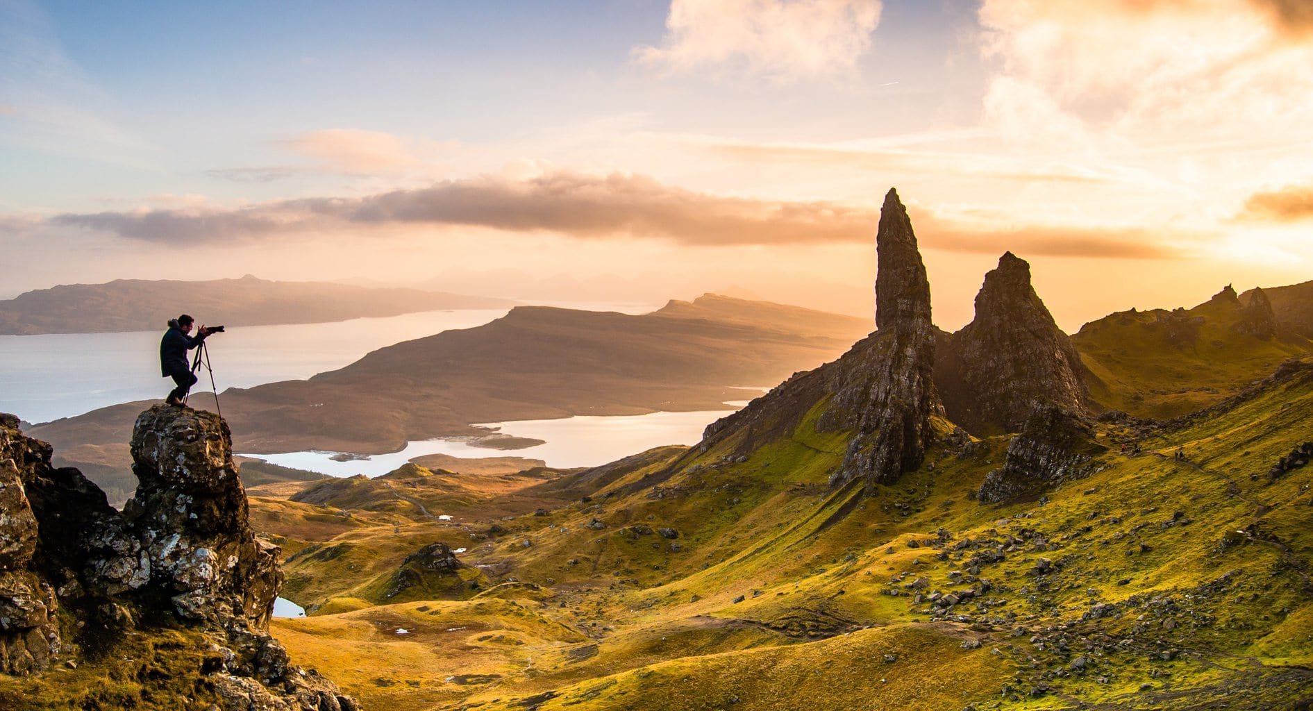 Fotógrafo capturando un paisaje increíble