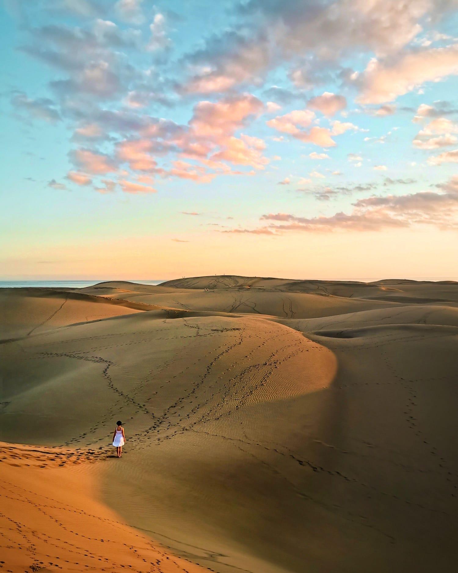 dunas y cielo al atardecer fotografiadas con Huawei P30 Pro