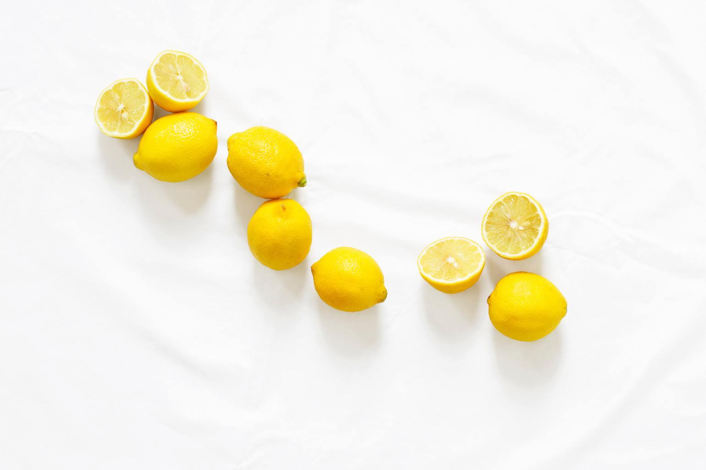 bodegón de limones en clave alta