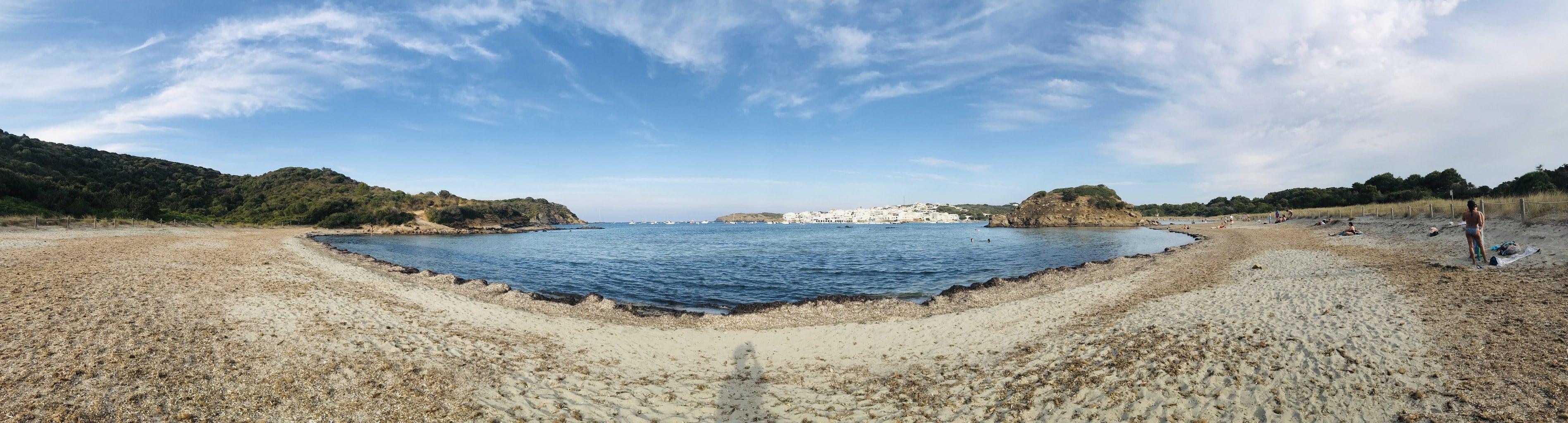 Playa fotografiada con móvil en formato panorámico