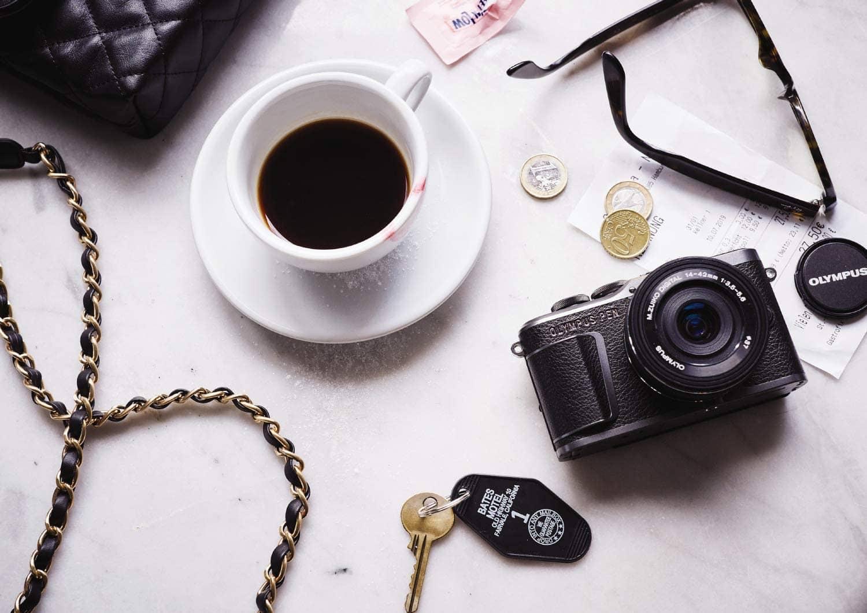 café y cámara Olympus PEN E-PL10