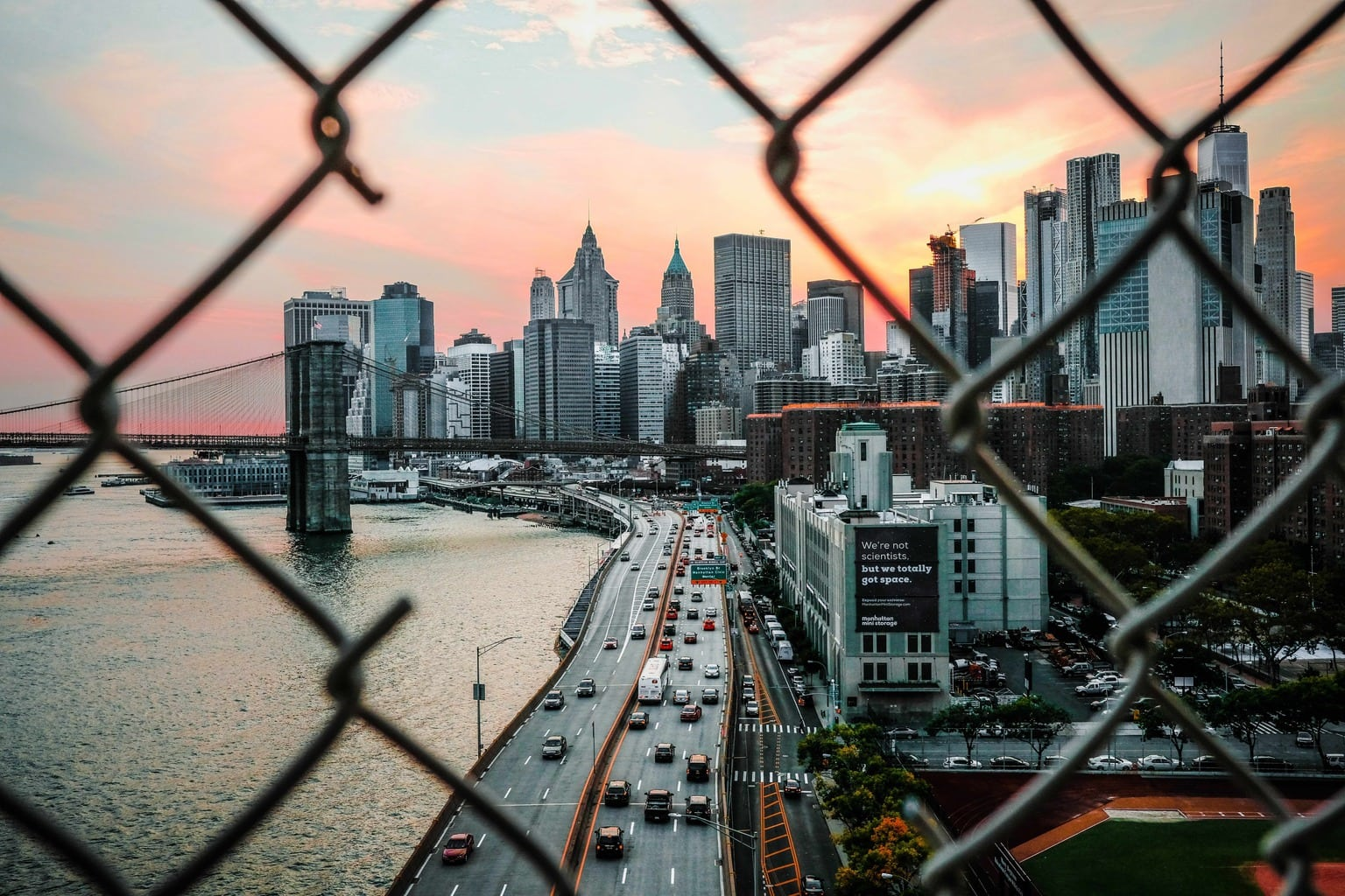 Fotografía urbana al atardecer