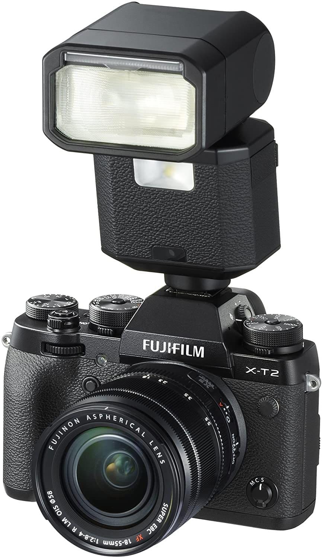 flash montado en cámara fujifilm