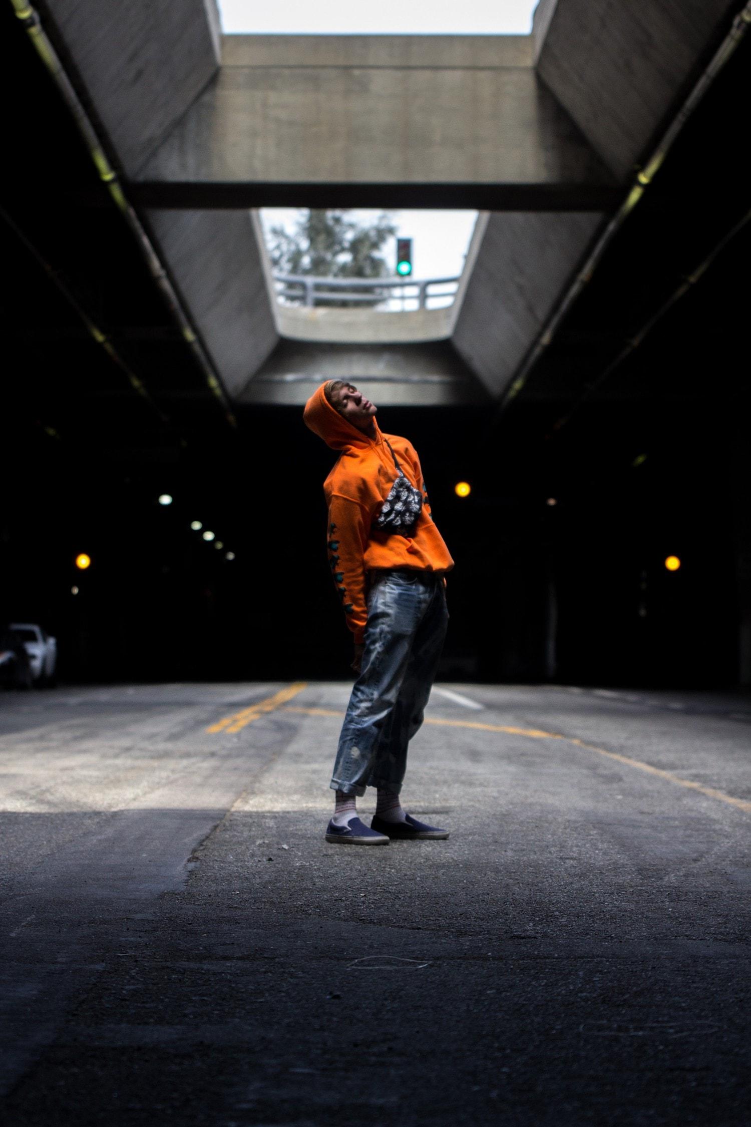 Retrato debajo de puente