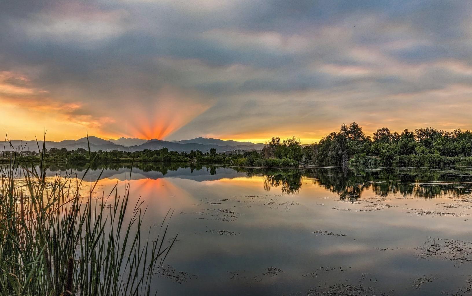 paisaje con lago capturado con un smartphone Google Pixel 4