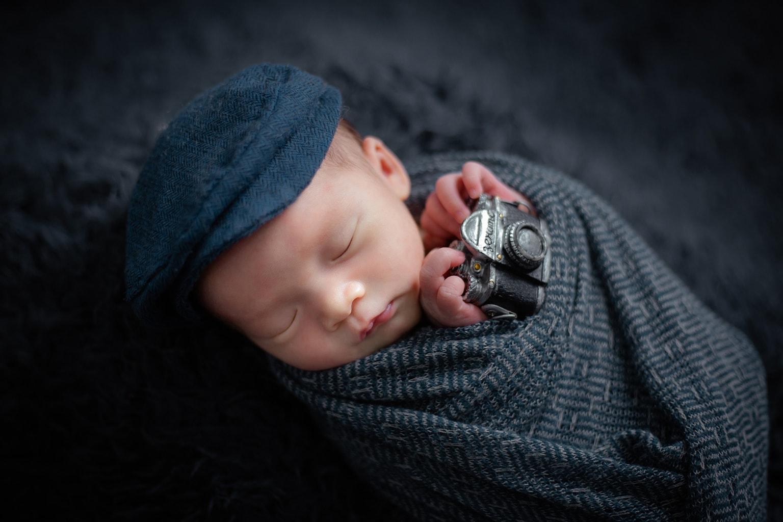 Fotografía de recién nacido en estudio