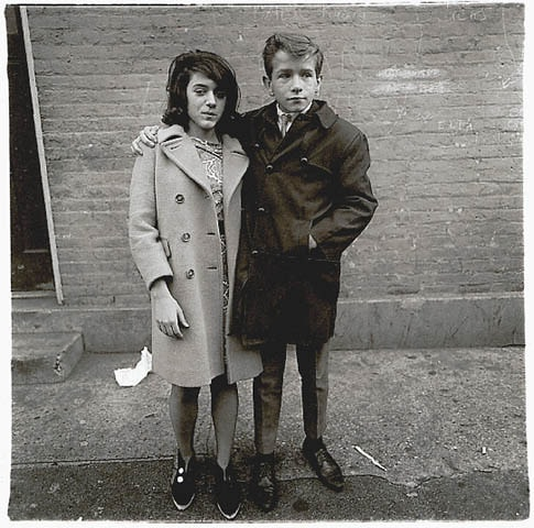 fotografía de la fotógrafa de calle Diane Arbus