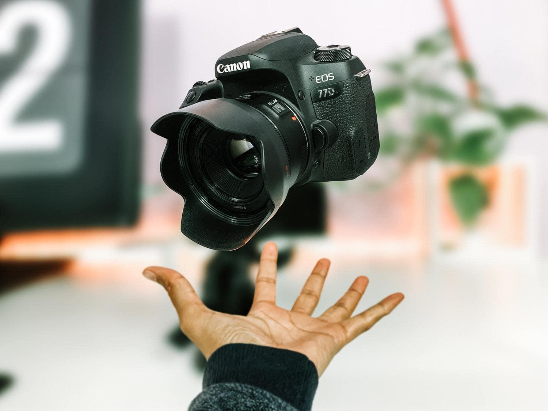 Canon EOS 77D cámara APS-C
