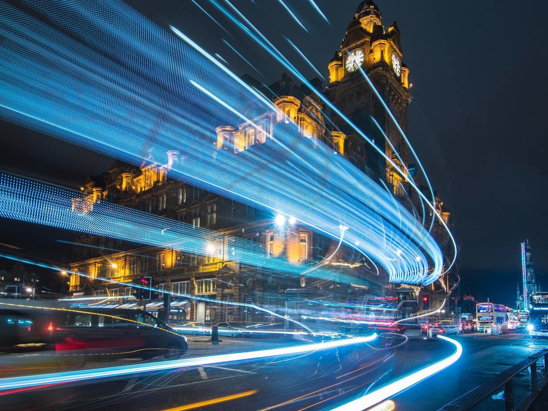 Estelas de luz en ciudad, la importancia de planificar la foto