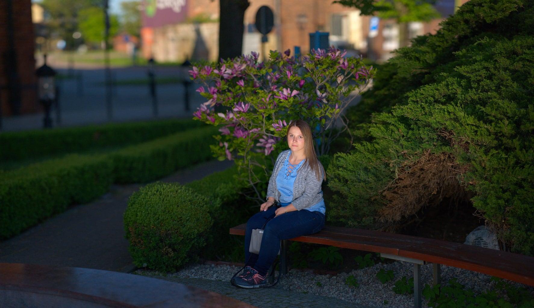 retrato nocturno en jardín con método Brenizer