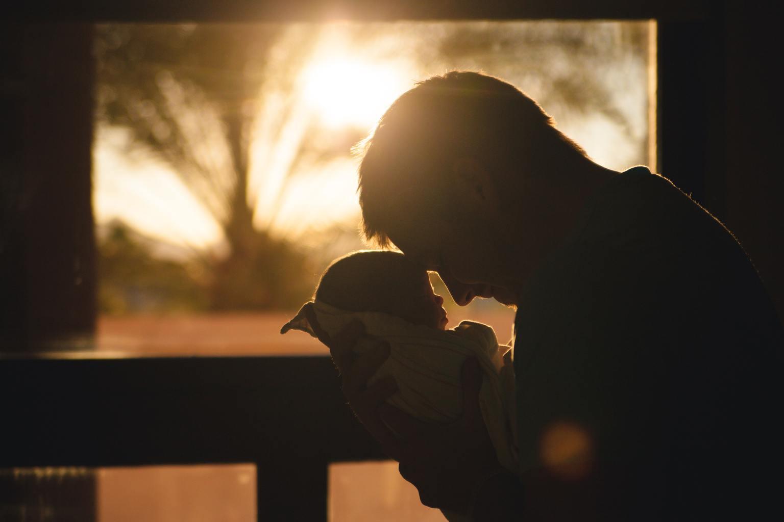 contraluz recién nacido