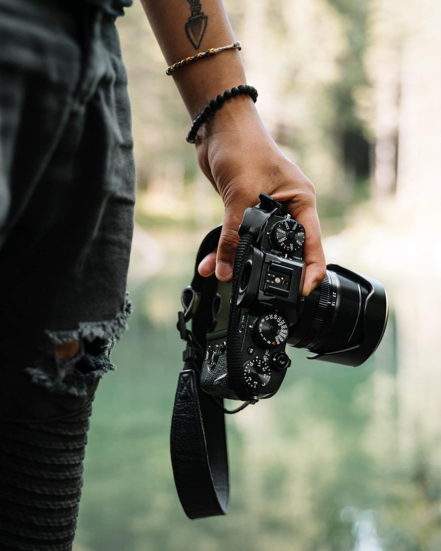 cámara fotógrafo con diales de modos