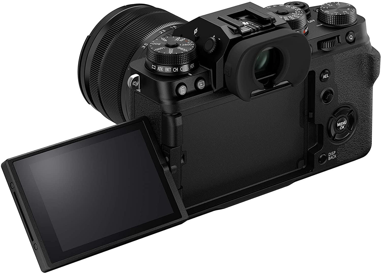 Cámara Fujifilm X-T4 con pantalla abierta