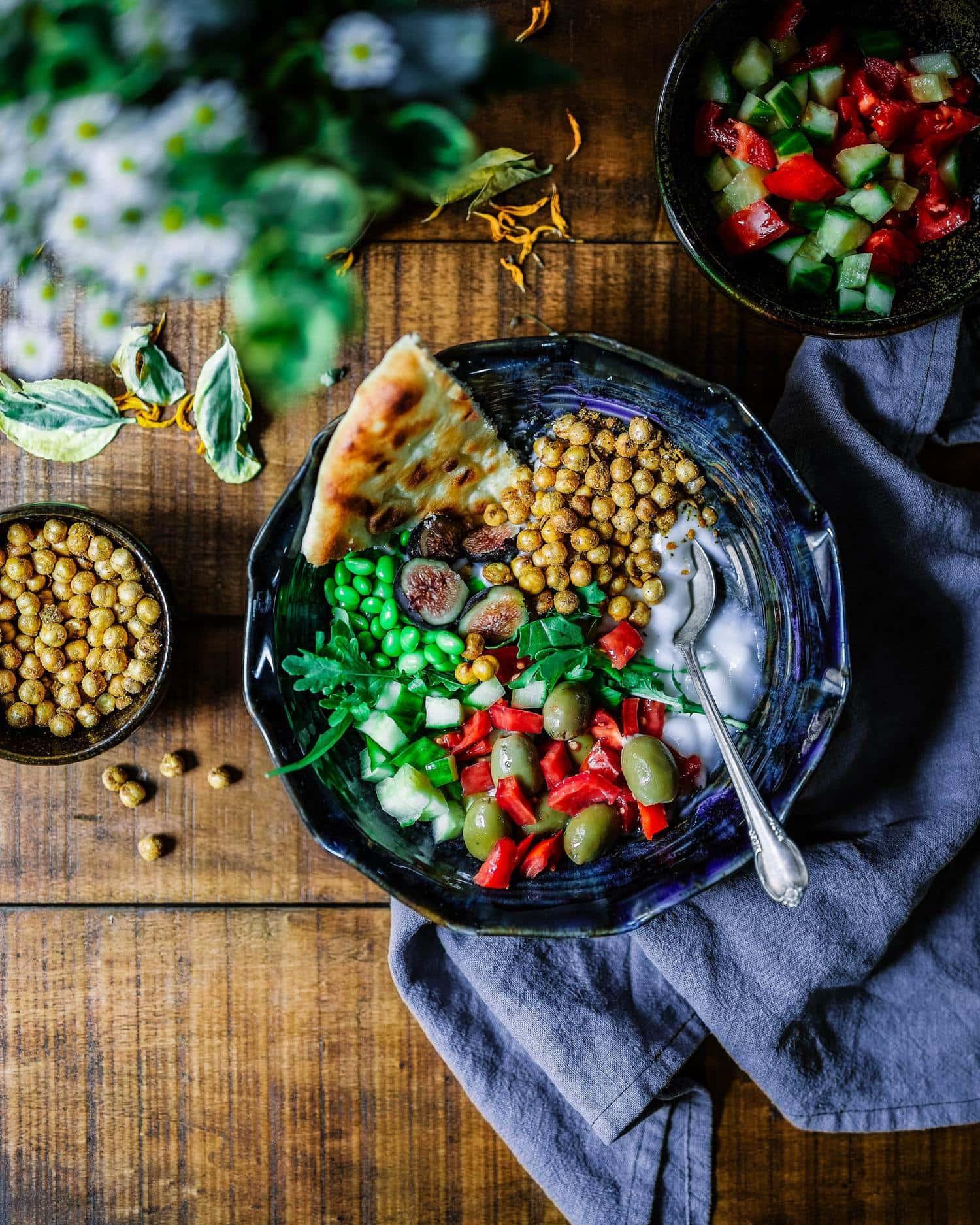 Fotografía gastronómica sobre fondo de madera