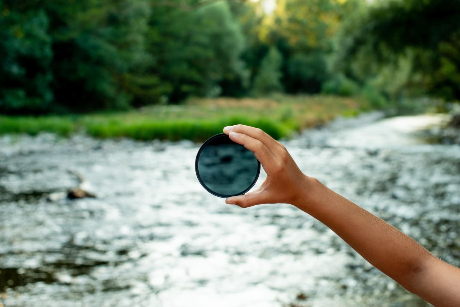 filtro densidad neutra sobre río