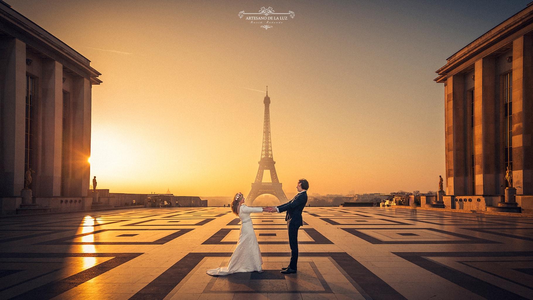 Fotografía de boda novios torre Eiffel