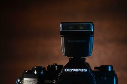Cámara Olympus con flash